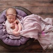 artistic professional Newborn-baby-photos-Indio-Melissa-Landres-photograpy